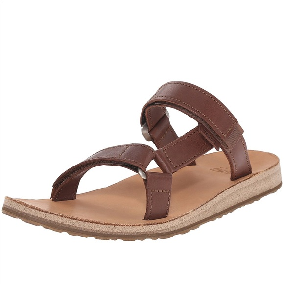 85b2fde87de7 Teva Women s Universal Slide Leather Sandal